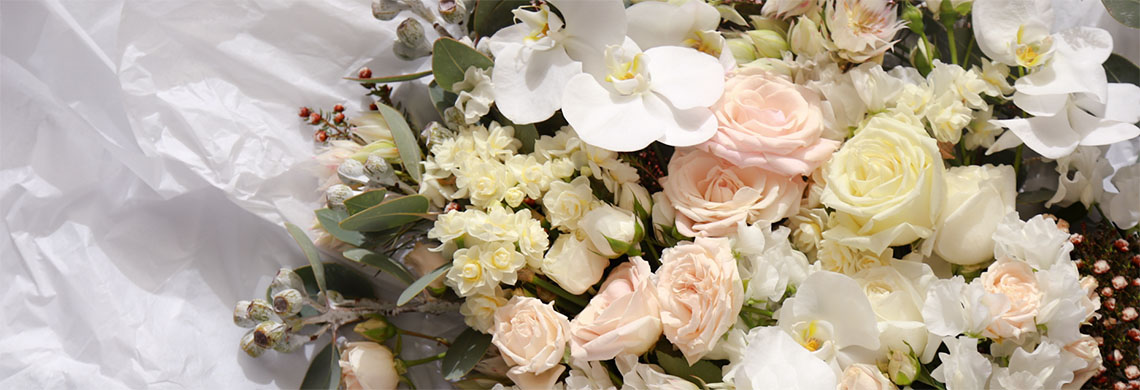 At Wollongong Flowers we ensure that your ceremony is amplified with the most stunning wedding flowers